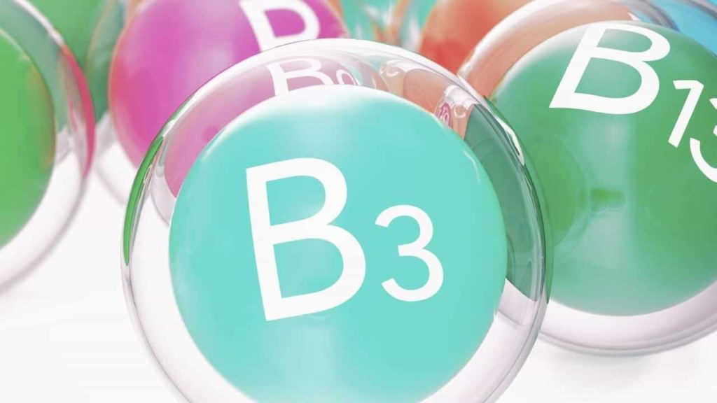 transparente-kuegeln-mit-innenliegenden-bunten-vitamin-b-baellen