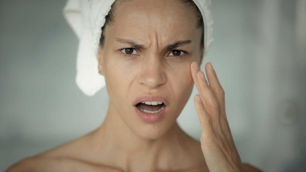 Anfangsverschlechterung aknenormin Isotretinoin Verschlechterung